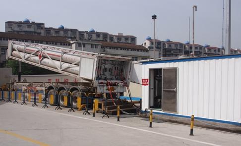 cng储气槽车规格_CNG加气站液压压缩机有哪几种