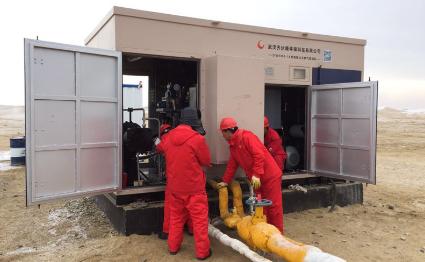 油田用气液混输天然气井口气压缩机介绍图片
