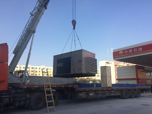 齐达康天然气压缩机抵达客户加气站现场